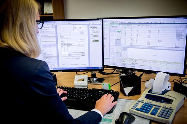 Jansen & Grolms Steuerberater – Leistungen – Finanzbuchführung